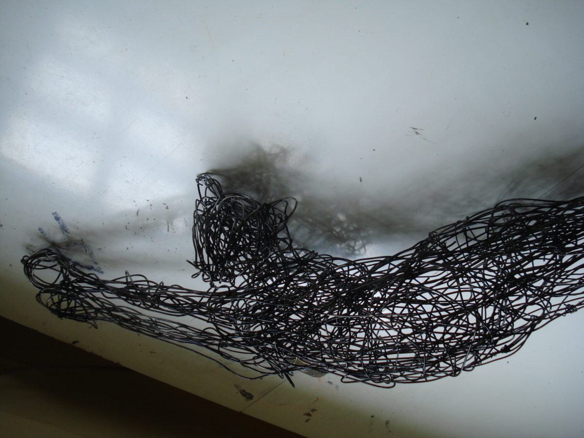 cat sculpture, wire cat sculpture, domestic animal sculpture