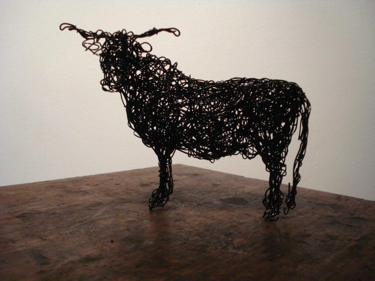 wire highland cow sculpture, cow sculpture, metal cow small sculpture, table top cow sculpture