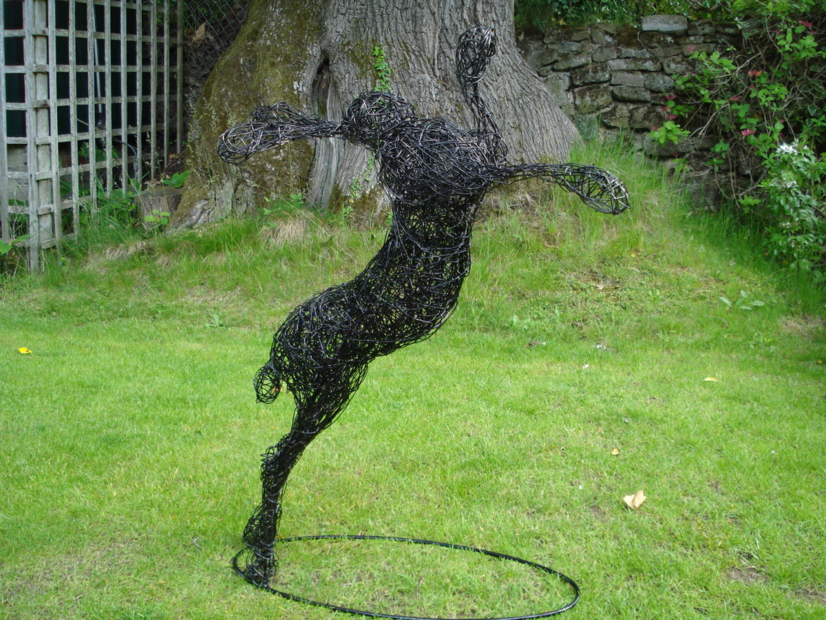 hare leaping, garden hare sculpture, animal wire garden sculpture, hare sculpture, metal hare sculpture