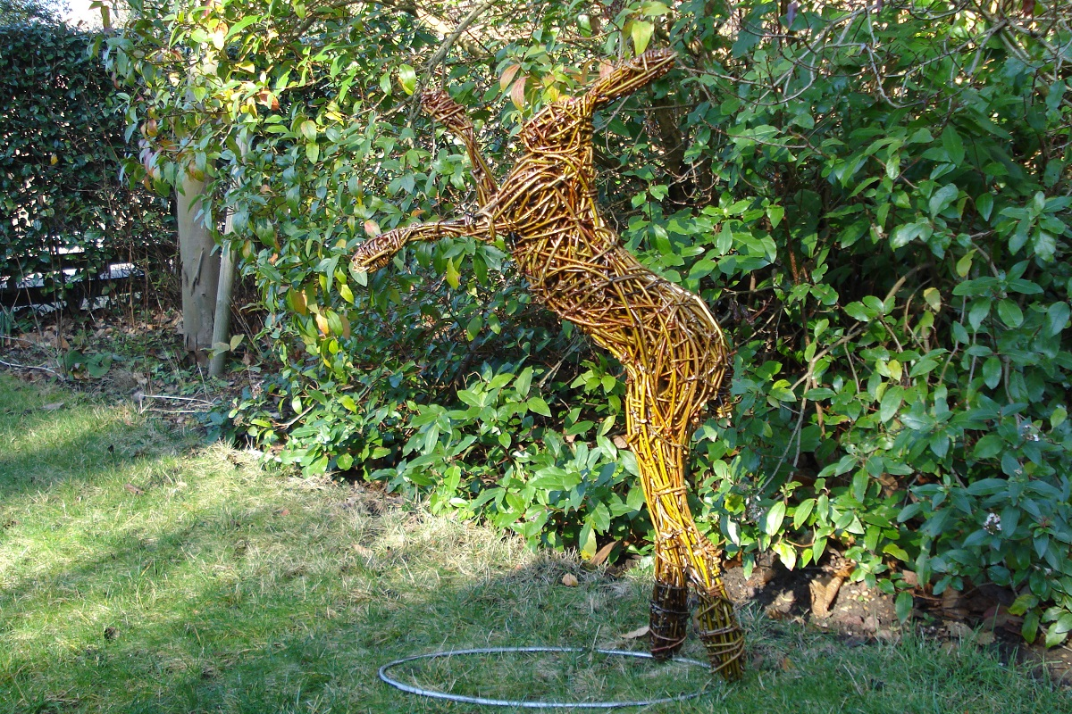 leaping willow hare, garden hare sculpture, willow hare, boxing hare sculpture