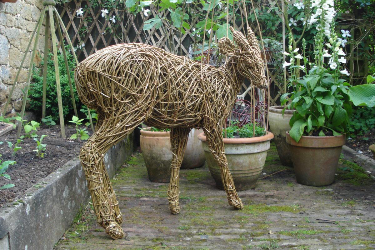 willow deer, muntjac deer sculpture, garden deer sculpture, willow muntjac deer sculpture
