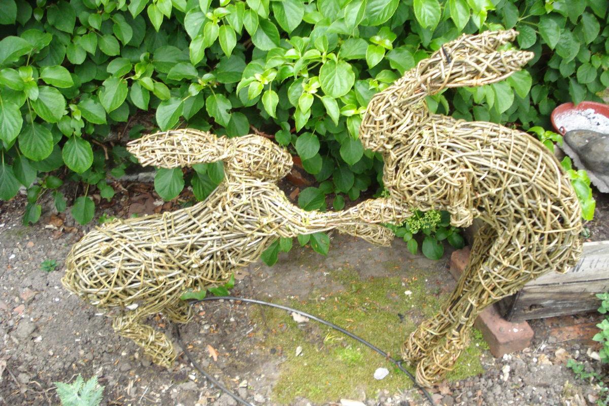 boxing hares sculpture, garden hare sculpture, willow hares, boxing hares in willow